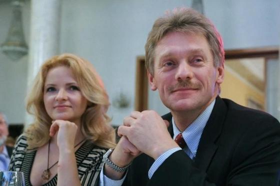 Бывшую жену Пескова уволили с должности главы Российского центра в Париже