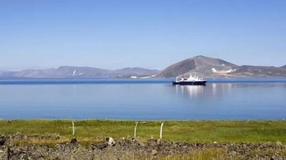 Житель Аляски заблудился и приплыл на Чукотку