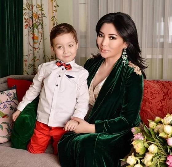 Казахстанская телеведущая Айгуль Мукей родила дочь