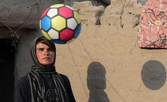 Афганская девочка 10 лет притворялась мальчиком ради отца (фото, видео)