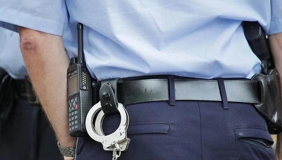 Пьяный водитель избил полицейского и сбежал в Атырауской области