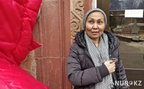 Алматинцы рассказали, зачем ходят на Кашпировского