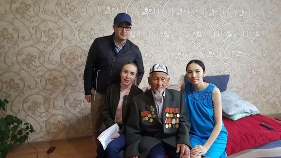 Помним и чтим: молодежь компании Транстелеком поздравила ветеранов в Астане