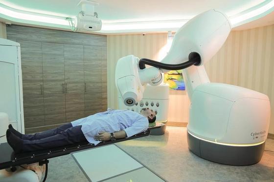 Новое слово в медицине: «лазерный нож» и «радиационные роботы»