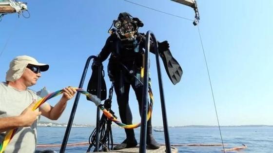 Франция демонтирует искусственный риф из шин. Эксперимент признали опасным