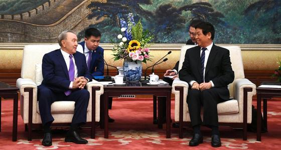 """""""Товарищ Абишевич"""": как Нурсултана Назарбаева называют в Китае"""