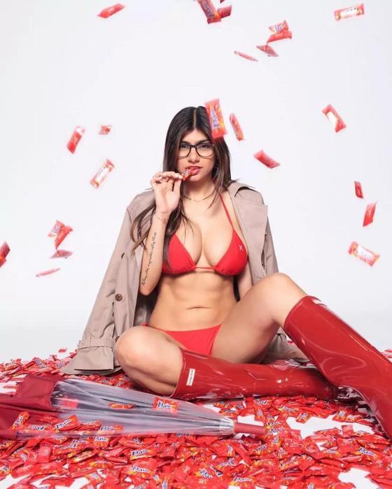 13 фото из повседневной жизни порноактрисы из Ливана Мии Халифы
