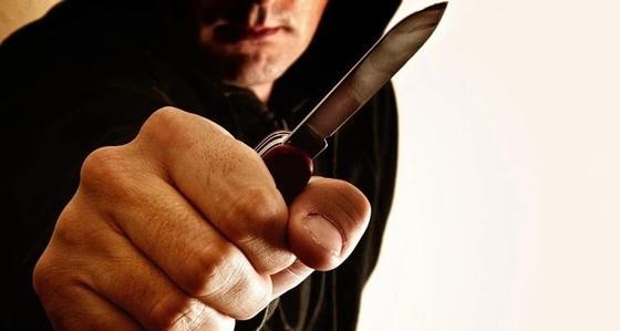 Отчим ударил ножом в грудь 15-летнего пасынка в Актобе