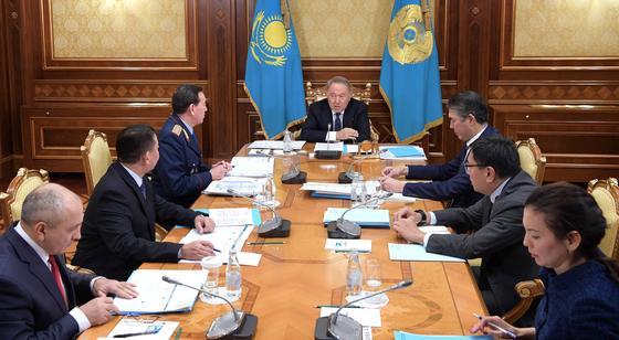 Назарбаев поручил оптимизировать полицию