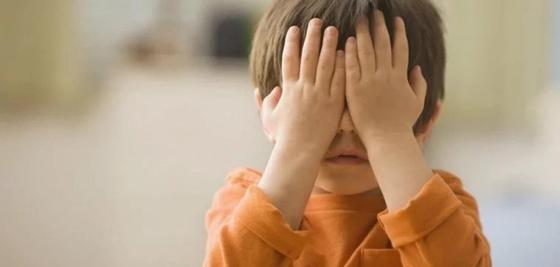 Мать, по вине которой ослеп ребенок, лишили родительских прав в Актобе
