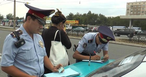 Более 18 тысяч водителей наказали за неправильную парковку в Алматы