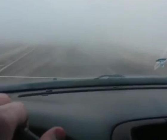 Кипяток залил несколько улиц и затруднил движение транспорта в Караганде