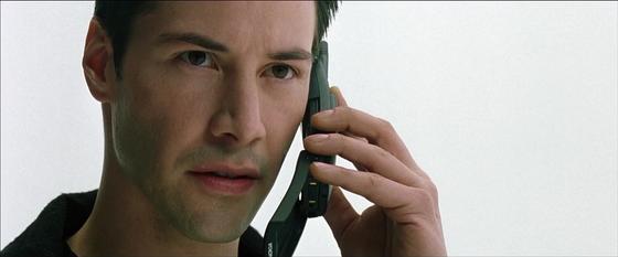 Nokia «воскресит» легендарный телефон из «Матрицы»