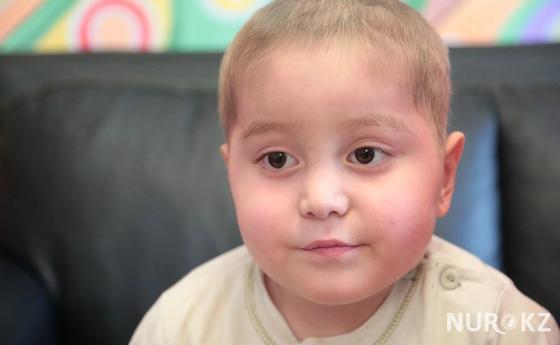 Трехлетняя девочка из детдома Караганды лишилась голосового аппарата из-за болезни
