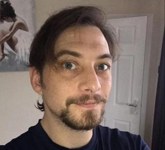 Трансгендер передумал, вновь стал мужиком и вернулся к жене