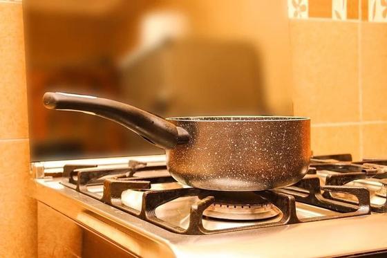 Как приготовить тесто для чебуреков на кипятке