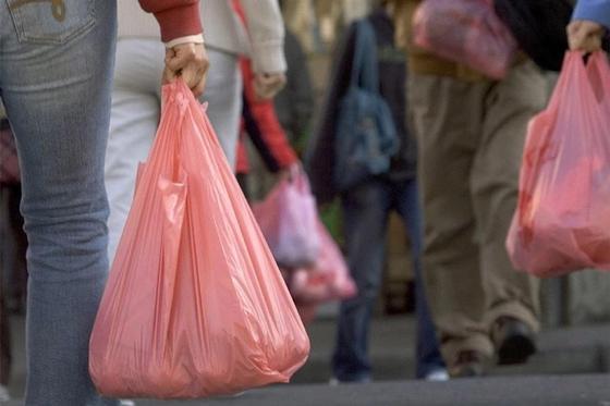 Школьники из Павлодара отказались от пластиковых пакетов