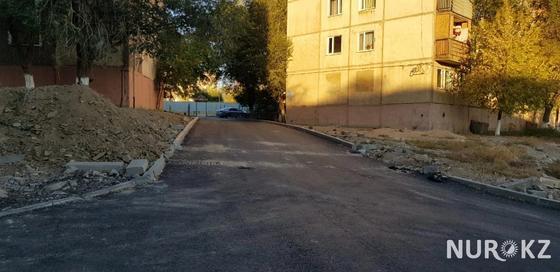 Жители Жезказгана пожаловались на то, что новый асфальт сняли через несколько дней