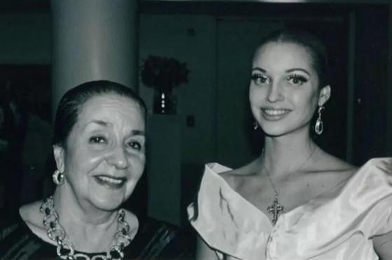 Потрепала жизнь Настюху: в Сети обсуждают фото юной Волочковой