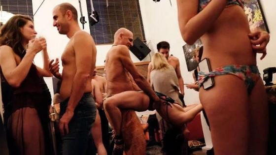 Как проходят развратные вечеринки в особняке алжирского миллионера