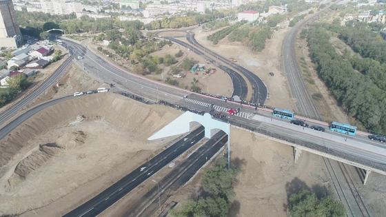 В Актобе запустили мост-тоннель (видео)