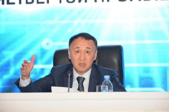 Мухамбетов: Экспорт товаров вырос до 950 млн долларов