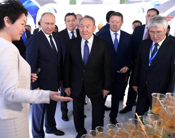 Назарбаев и Путин встретились в Петропавловске (фото)