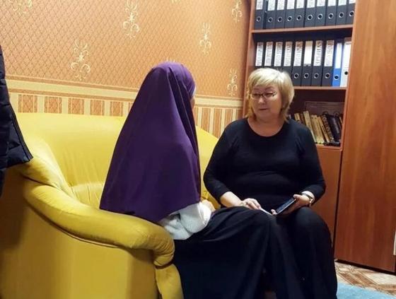 Әйелдерге 5-6 рет талақ айтады: Қазақ қызы Ислам мемлекетінде көрген қорлығын айтты