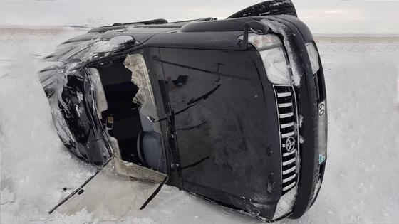 Водитель не стал расстраиваться из-за повреждения автомобиля. Фото NUR.KZ