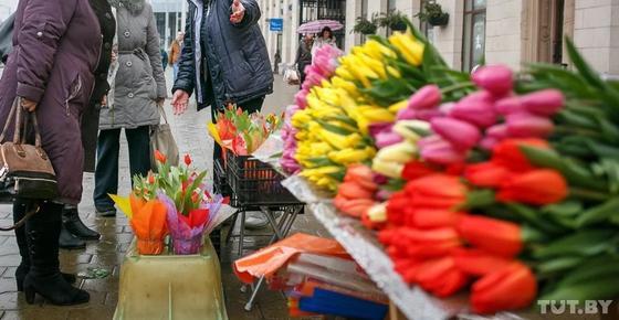 Уличных торговцев цветами будут наказывать 8 марта
