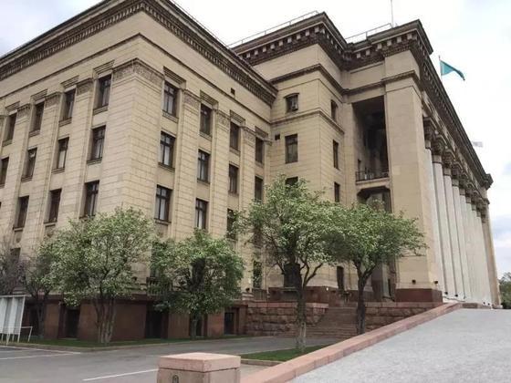 КБТУ продали на торгах за 11 миллиардов тенге в Алматы