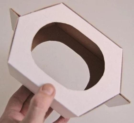 готовая кормушка из картона