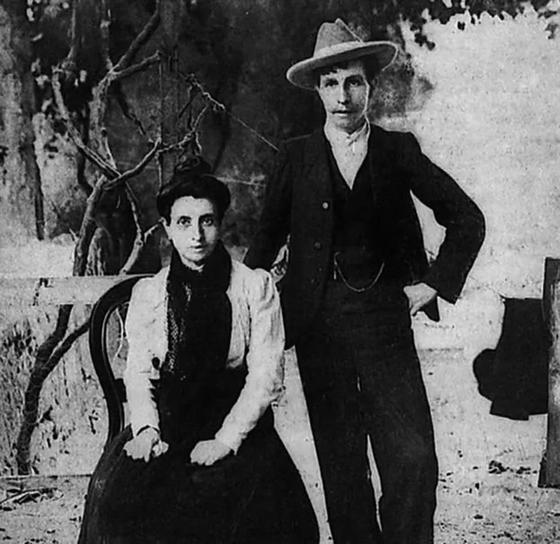 Элиза и Марсела: лесбиянки, обманувшие церковь и венчавшиеся в 1901 году