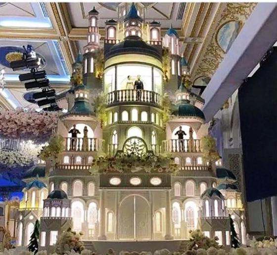 Әлемнің сегізінші кереметі: Шымкенттік олигархтың тойындағы торт елді таңғалдырды (фото, видео)