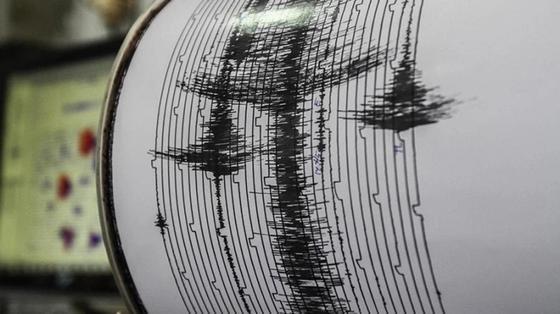 Более 80 человек погибли при землетрясении в Индонезии