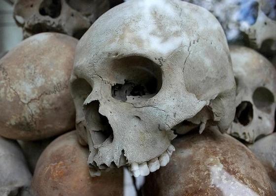 56 скелетов принесенных в жертву детей нашли в Перу (видео)