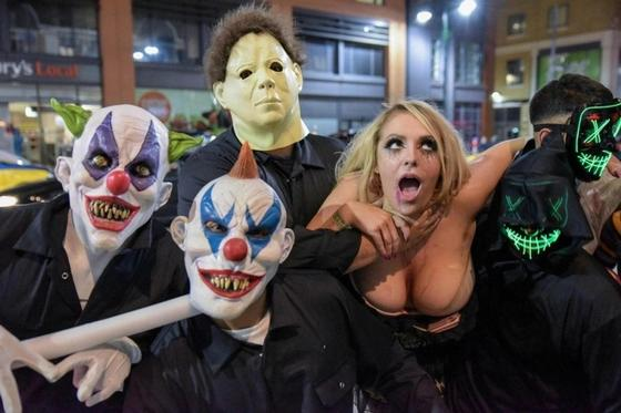 Как британская молодежь отметила Хэллоуин