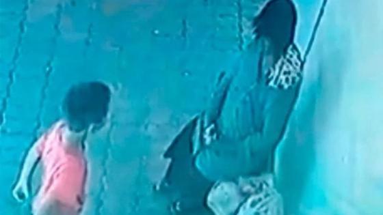 Полицейские нашли детей, издевавшихся над женщиной-инвалидом