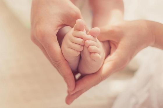 Карагандинка с ВИЧ родила здоровых близнецов