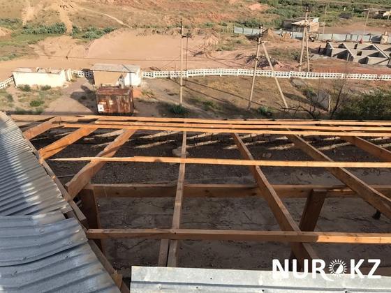 Ветром сорвало крышу с акимата в Туркестанской области (фото)