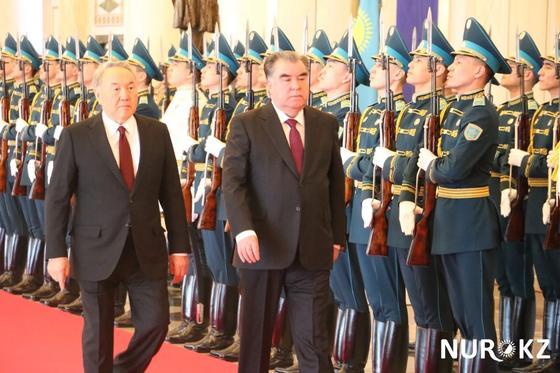 Рахмон отреагировал на отставку Назарбаева