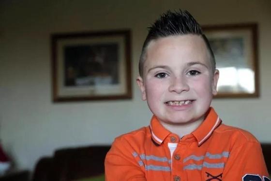 Гей усыновил четырех детей-инвалидов и безмерно счастлив