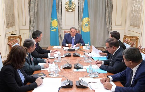 Назарбаев провел совещание с Джаксыбековым, Абдрахмановым и Онжановым