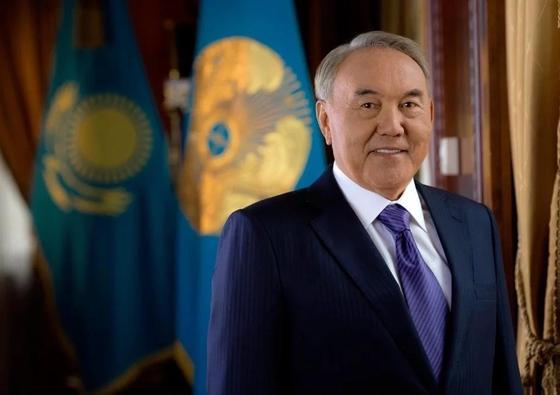 Назарбаев қазақстандықтарды Рождество мерекесімен құттықтады