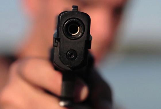 Двое мужчин получили огнестрельные ранения в Таразе