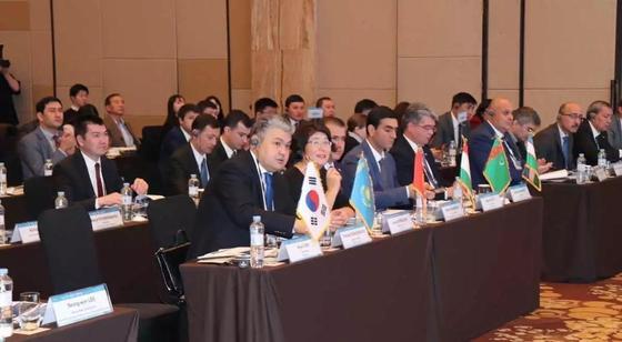 Кошербаев принял участие в форуме ЦАРК