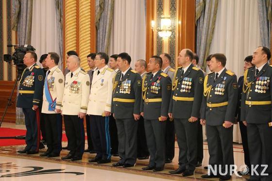 Военные рассказали Назарбаеву, что проводят «уроки Елбасы»