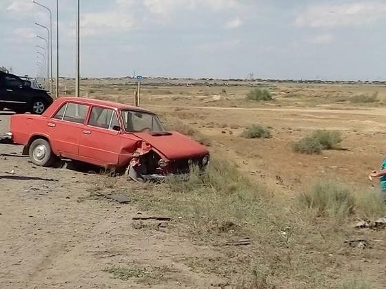 Женщина с дочкой погибли в результате столкновения трех авто в Карагандинской области