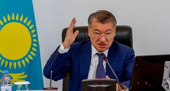 Ахметов пообещал благоустроить большинство дворов в Семее за три года