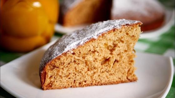 Пирог на кефире и варенье